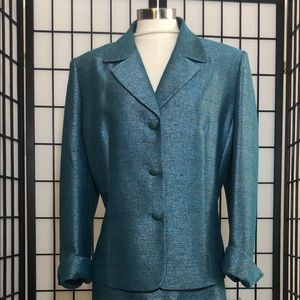 Le Suit 2 piece women's suit
